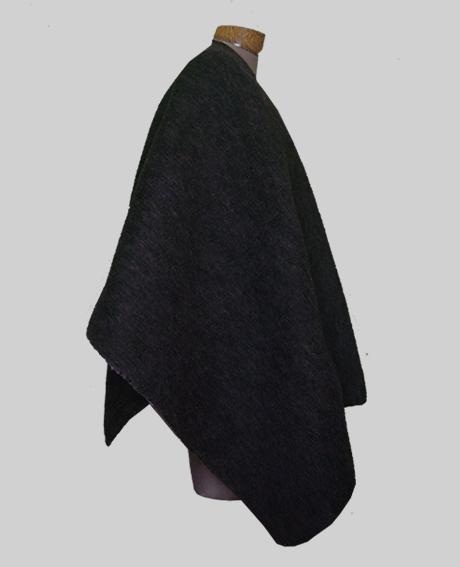 ruana en lana tejida en telar